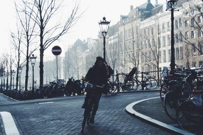 Biker paparazzi